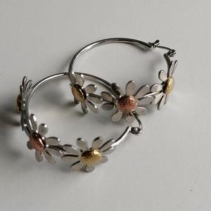 Daisy round earrings